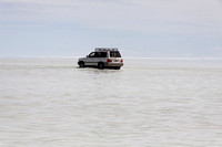 Salar de Uyuni - Another Toyota Land Rover like we were traveling in